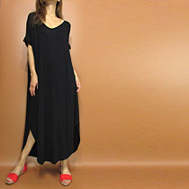 Tops653 Side Slit Hi-Low T-Shirt with Lousy Pocket/Black