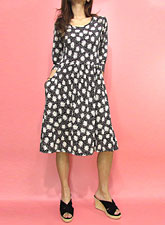 Dress157 Quarter Sleeve Daisy Dress/Black