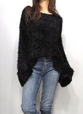 Knit225 Light-Weight Fuzzy Knit Top/Black