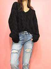 Knit228 V-Neck Cable Knit Top/Black