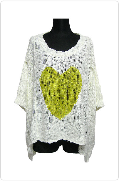 Knit077 Damaged Knitted Top w/ Heart/Off White