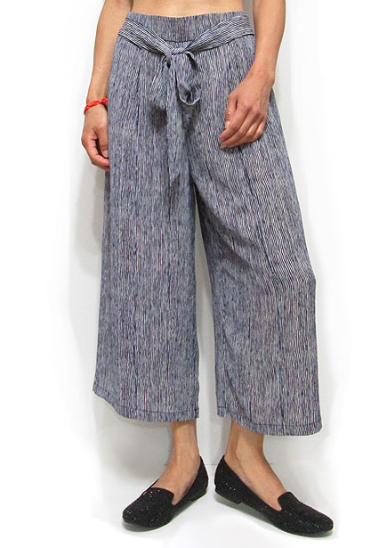 Pants172 Abstract Stripe Print Gaucho Pants/Navy
