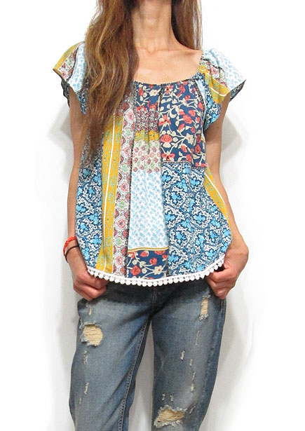 Tops608 Floral Patch Print Pullover Blouse/Multi